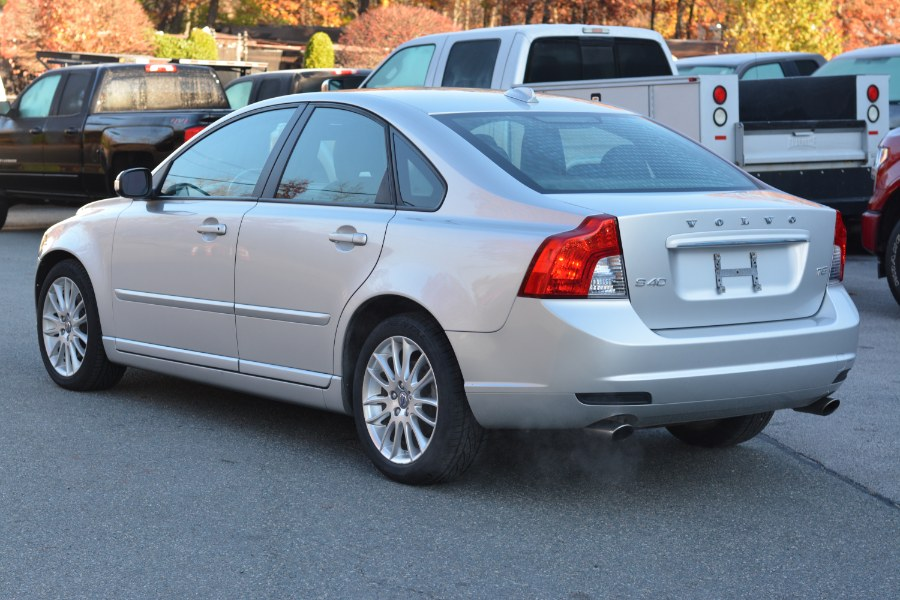 Used Volvo S40 4dr Sdn w/Moonroof 2011 | New Beginning Auto Service Inc . Ashland , Massachusetts