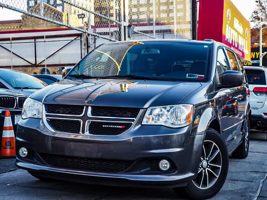 Used 2017 Dodge Grand Caravan in Jamaica, New York | Hillside Auto Mall Inc.. Jamaica, New York
