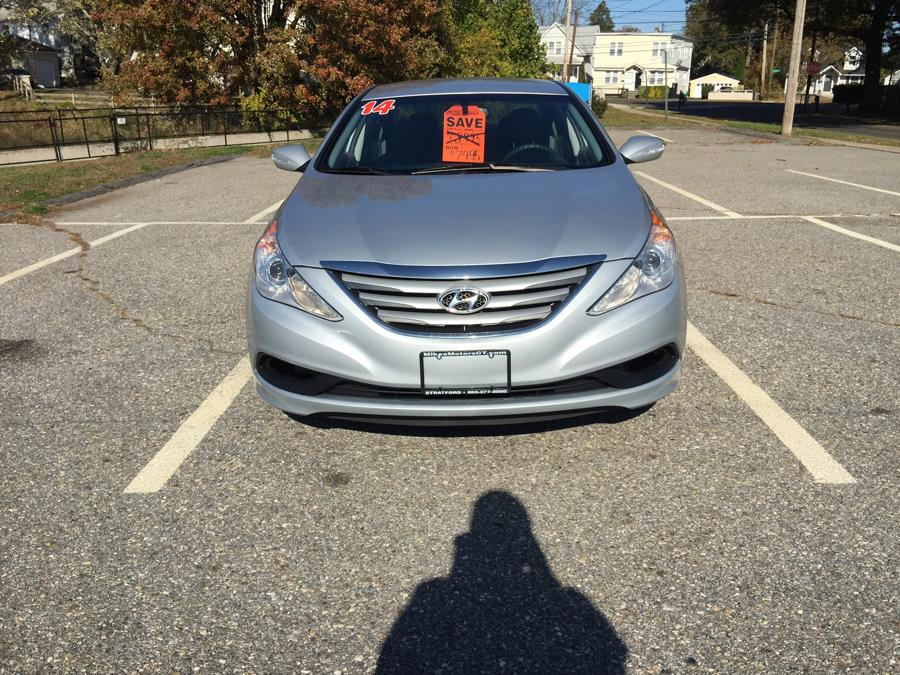 2014 Hyundai Sonata 4dr Sdn 2.4L Auto GLS, available for sale in Stratford, Connecticut | Mike's Motors LLC. Stratford, Connecticut