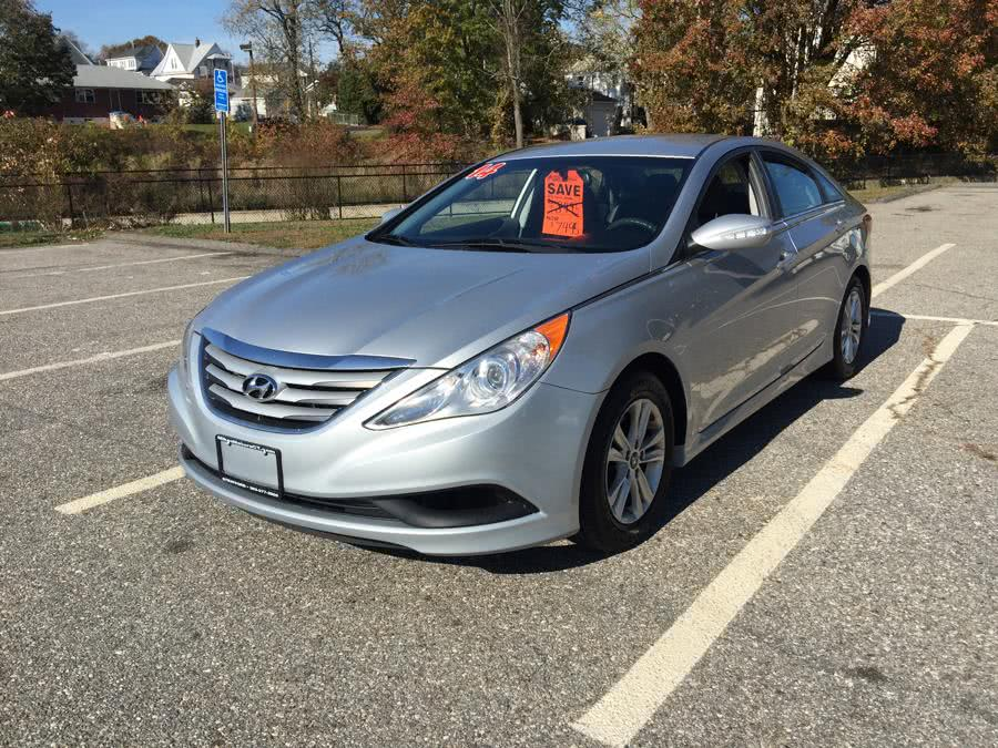 Used 2014 Hyundai Sonata in Stratford, Connecticut | Mike's Motors LLC. Stratford, Connecticut
