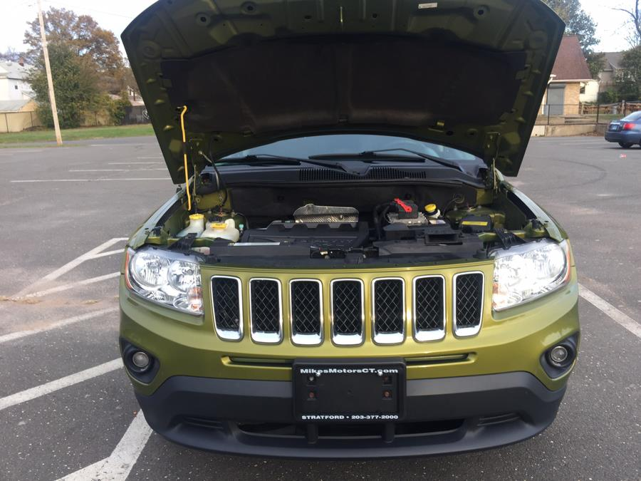 2012 Jeep Compass 4WD 4dr Latitude, available for sale in Stratford, Connecticut | Mike's Motors LLC. Stratford, Connecticut