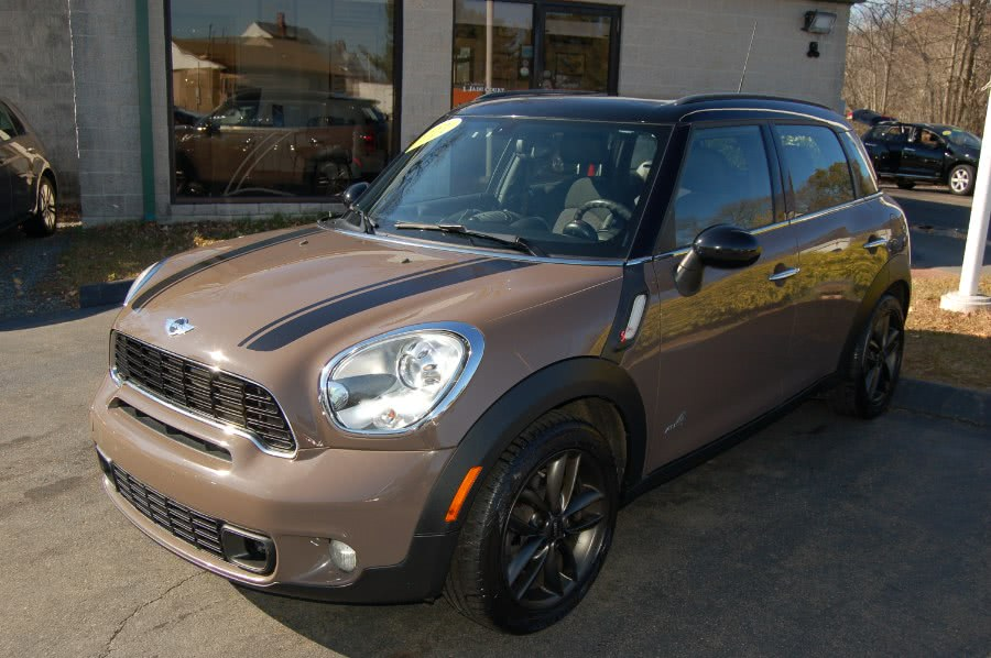 Used MINI Cooper Countryman AWD 4dr S ALL4 2011 | M&N`s Autohouse. Old Saybrook, Connecticut