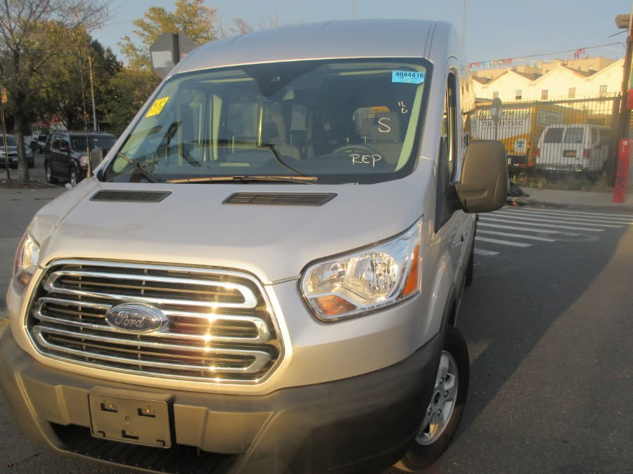 Used 2019 Ford Transit Passenger Wagon in Bronx, New York | Todos Autos Sales. Bronx, New York