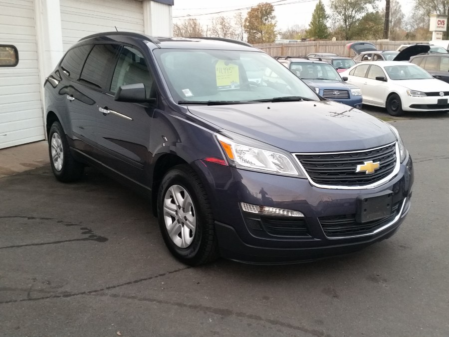 2014 Chevrolet Traverse AWD 4dr LS, available for sale in Berlin, Connecticut | Action Automotive. Berlin, Connecticut
