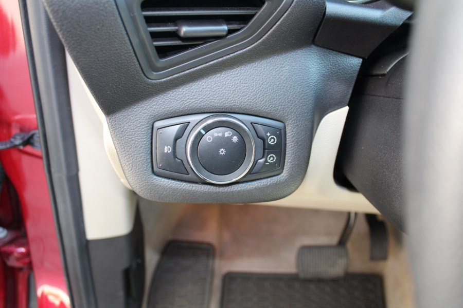 2013 Ford Escape 4WD 4dr SE, available for sale in Great Neck, NY