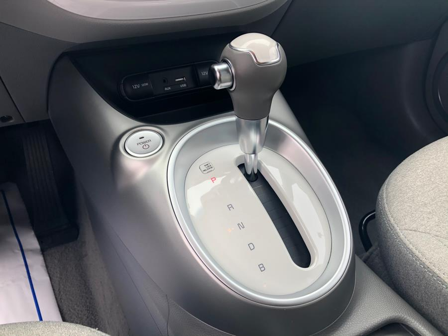 2016 Kia Soul EV Base w/ Navigation, available for sale in Daly City, California | Green Light Auto Wholesale. Daly City, California