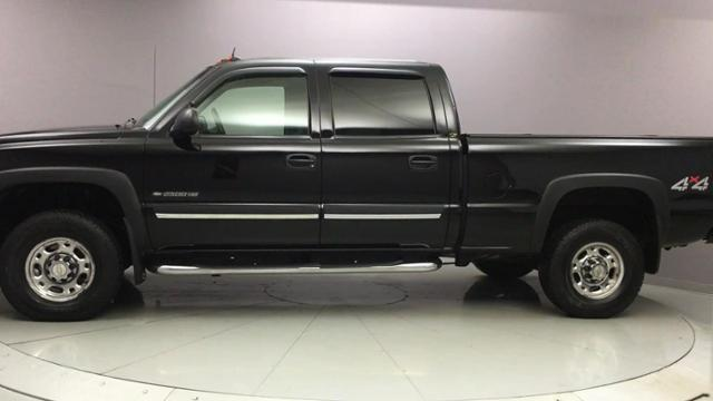 2004 Chevrolet Silverado 2500hd Crew Cab 153 WB 4WD LT, available for sale in Naugatuck, Connecticut | J&M Automotive Sls&Svc LLC. Naugatuck, Connecticut