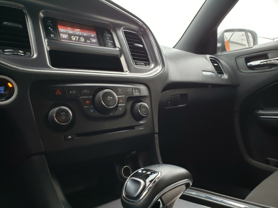 2014 Dodge Charger 4dr Sdn SE RWD, available for sale in Brooklyn, New York | Rubber Bros Auto World. Brooklyn, New York