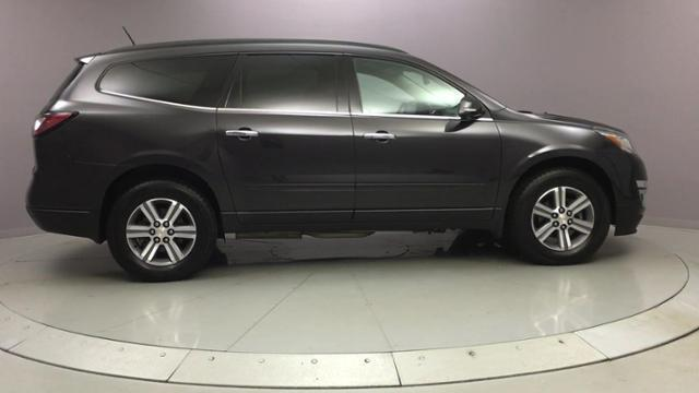 2016 Chevrolet Traverse AWD 4dr LT w/1LT, available for sale in Naugatuck, Connecticut | J&M Automotive Sls&Svc LLC. Naugatuck, Connecticut