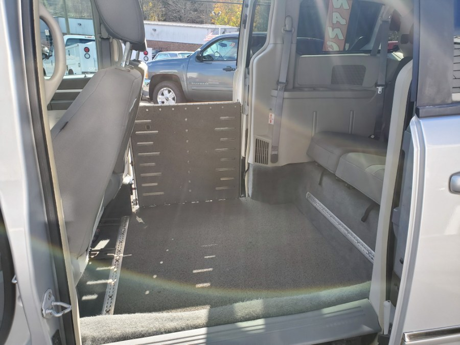 2008 Dodge Grand Caravan 4dr Wgn SXT, available for sale in Thomaston, CT