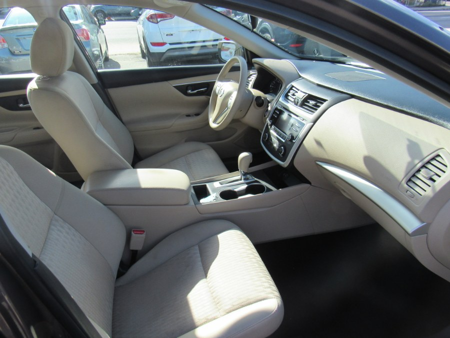 2016 Nissan Altima 4dr Sdn I4 2.5 S, available for sale in Worcester, Massachusetts | Hilario's Auto Sales Inc.. Worcester, Massachusetts