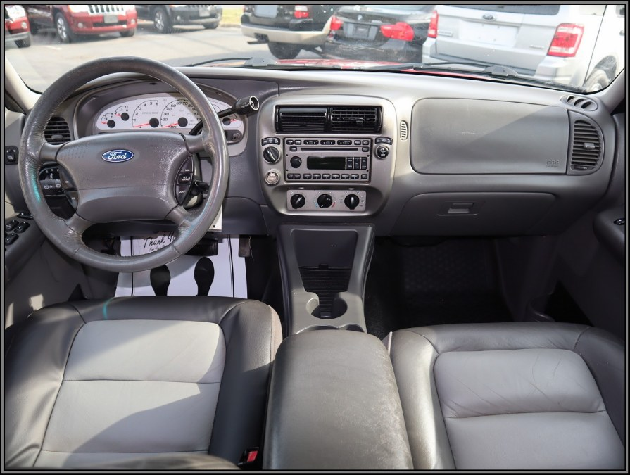 2005 Ford Explorer Sport Trac 4dr 126
