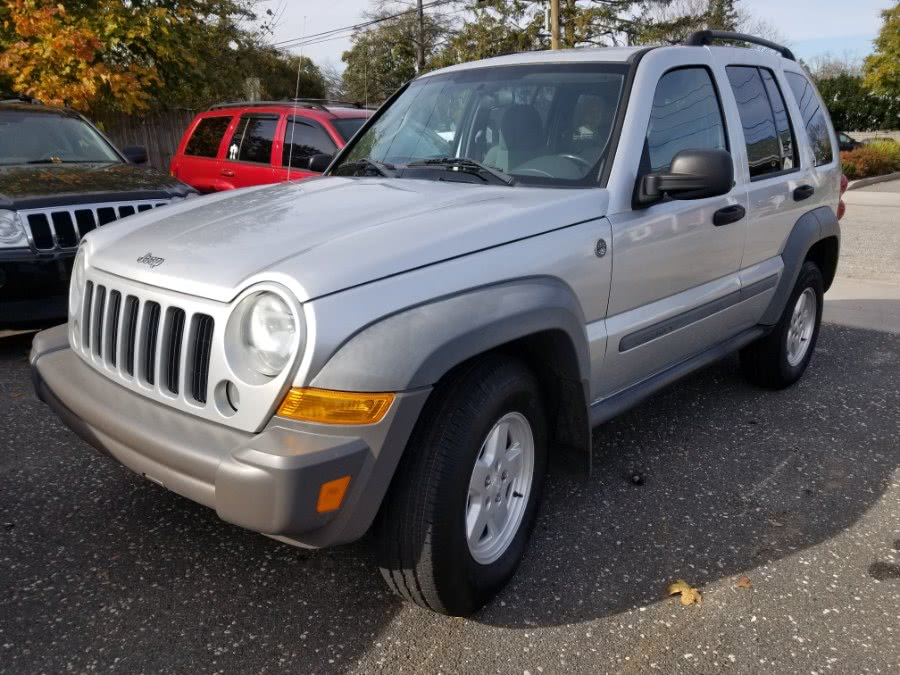 Used Jeep Liberty 4dr Sport 4WD 2005 | Romaxx Truxx. Patchogue, New York