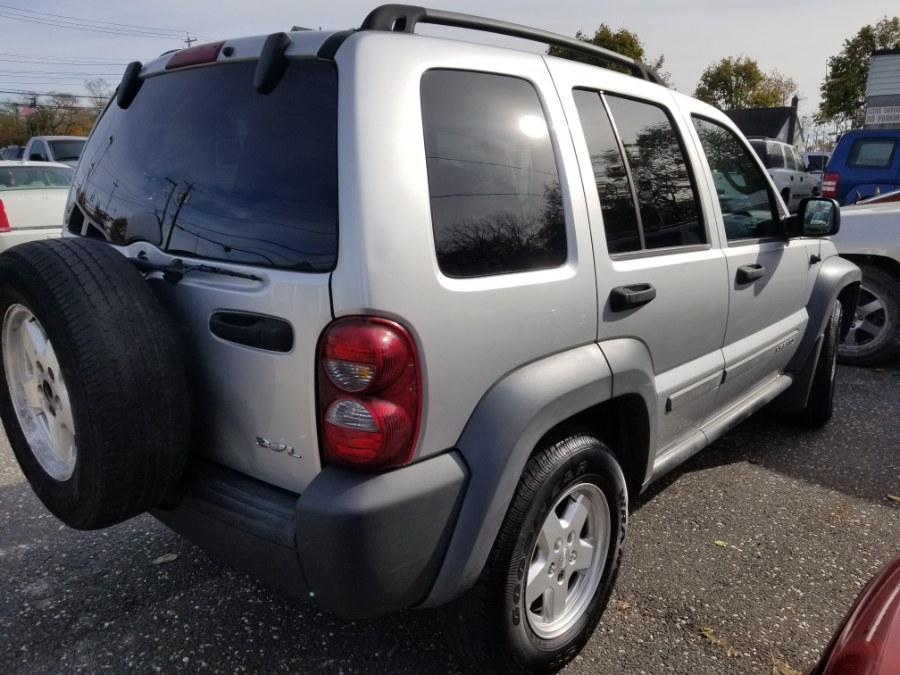 2005 Jeep Liberty 4dr Sport 4WD, available for sale in Patchogue, New York | Romaxx Truxx. Patchogue, New York
