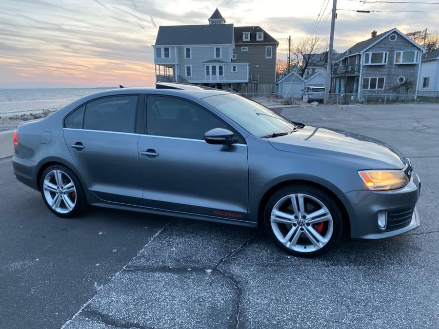 Used 2015 Volkswagen Jetta Sedan in Milford, Connecticut | Village Auto Sales. Milford, Connecticut