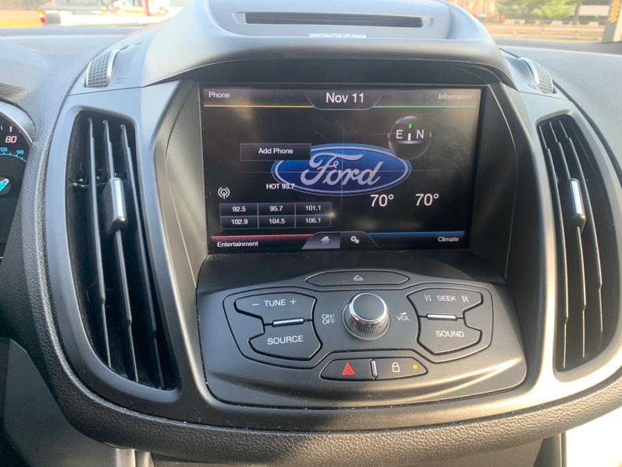 Used Ford Escape 4WD 4dr SE 2015 | Mike And Tony Auto Sales, Inc. South Windsor, Connecticut