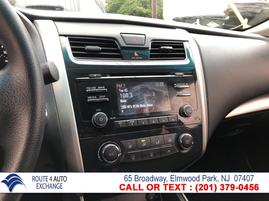 Used Nissan Altima 4dr Sdn I4 2.5 S 2015 | Route 4 Auto Exchange. Elmwood Park, New Jersey