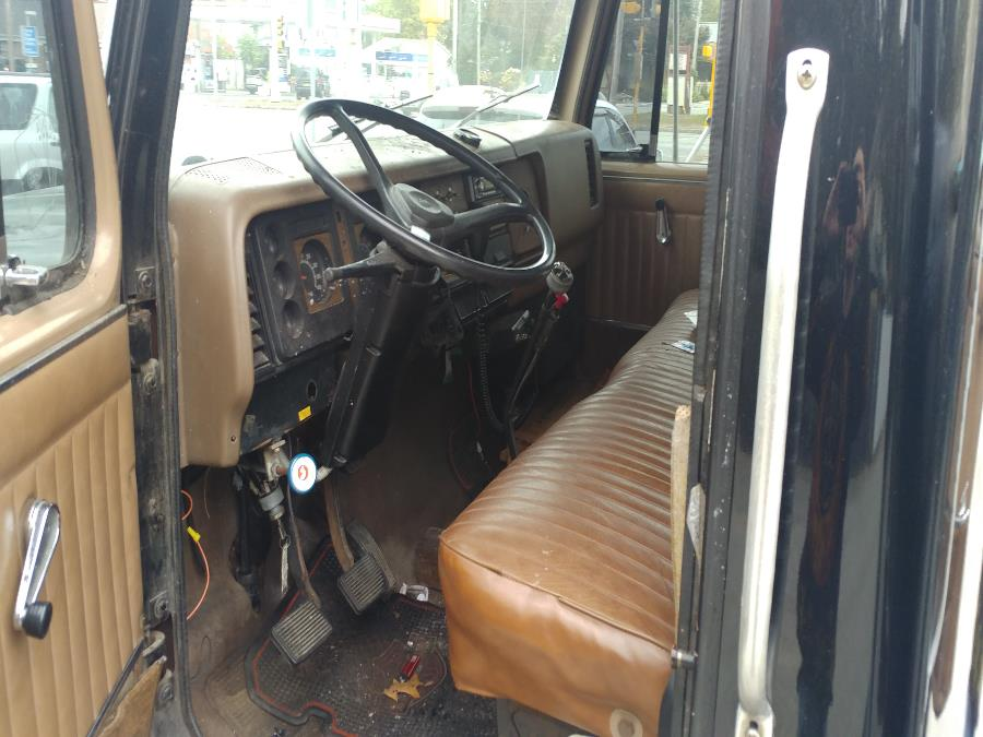 1986 International s1600 Flatbed tow truck, available for sale in Chicopee, Massachusetts | Matts Auto Mall LLC. Chicopee, Massachusetts