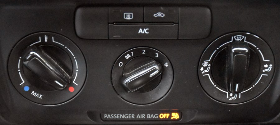 2014 Volkswagen Jetta Sedan SE, available for sale in Waterbury, Connecticut   Highline Car Connection. Waterbury, Connecticut