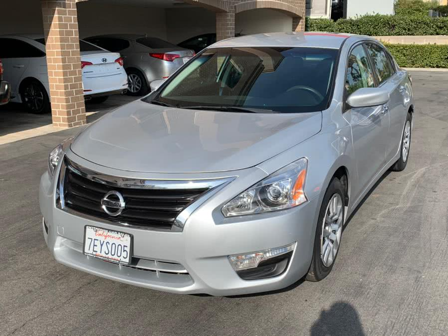 Used 2014 Nissan Altima in Lake Forest, California | Carvin OC Inc. Lake Forest, California