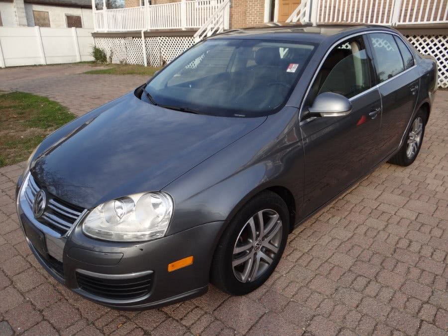 Used 2006 Volkswagen Jetta Sedan in West Babylon, New York | SGM Auto Sales. West Babylon, New York