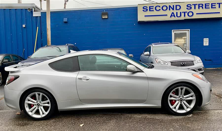 Used 2011 Hyundai Genesis Coupe in Manchester, New Hampshire | Second Street Auto Sales Inc. Manchester, New Hampshire