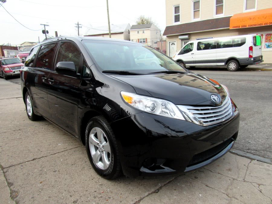 2017 Toyota Sienna LE FWD 8-Passenger (Natl), available for sale in Paterson, New Jersey | MFG Prestige Auto Group. Paterson, New Jersey