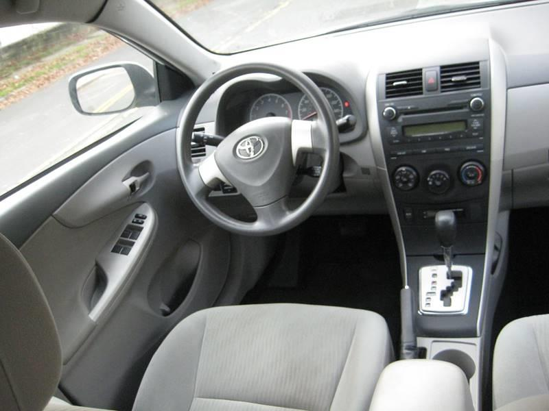 Used Toyota Corolla LE 4dr Sedan 4A 2010 | Rite Choice Auto Inc.. Massapequa, New York