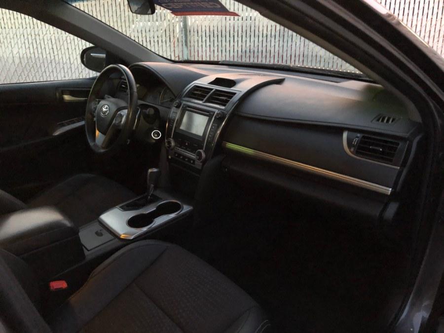 Used Toyota Camry 2014.5 4dr Sdn I4 Auto SE (Natl) 2014 | Carmatch NY. Bayshore, New York