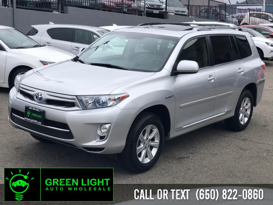 Used 2013 Toyota Highlander Hybrid in Daly City, California | Green Light Auto Wholesale. Daly City, California