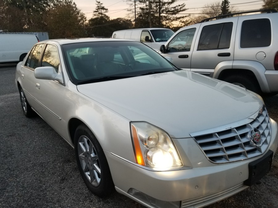 2011 Cadillac DTS 4dr Sdn Luxury Collection, available for sale in Patchogue, New York | Romaxx Truxx. Patchogue, New York