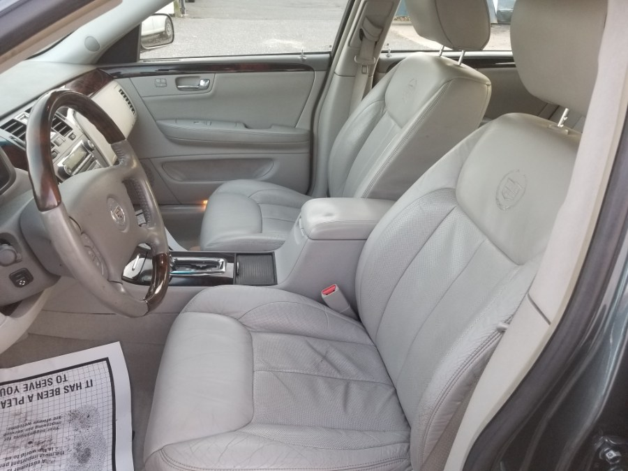 2009 Cadillac DTS 4dr Sdn w/1SD, available for sale in Patchogue, New York | Romaxx Truxx. Patchogue, New York