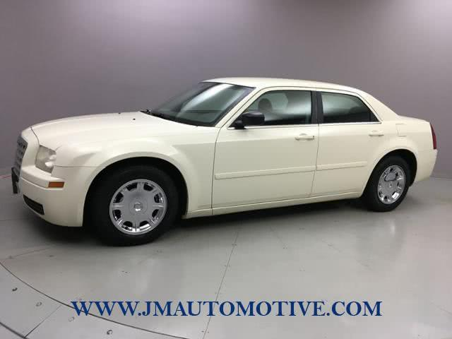 Used 2006 Chrysler 300 in Naugatuck, Connecticut | J&M Automotive Sls&Svc LLC. Naugatuck, Connecticut