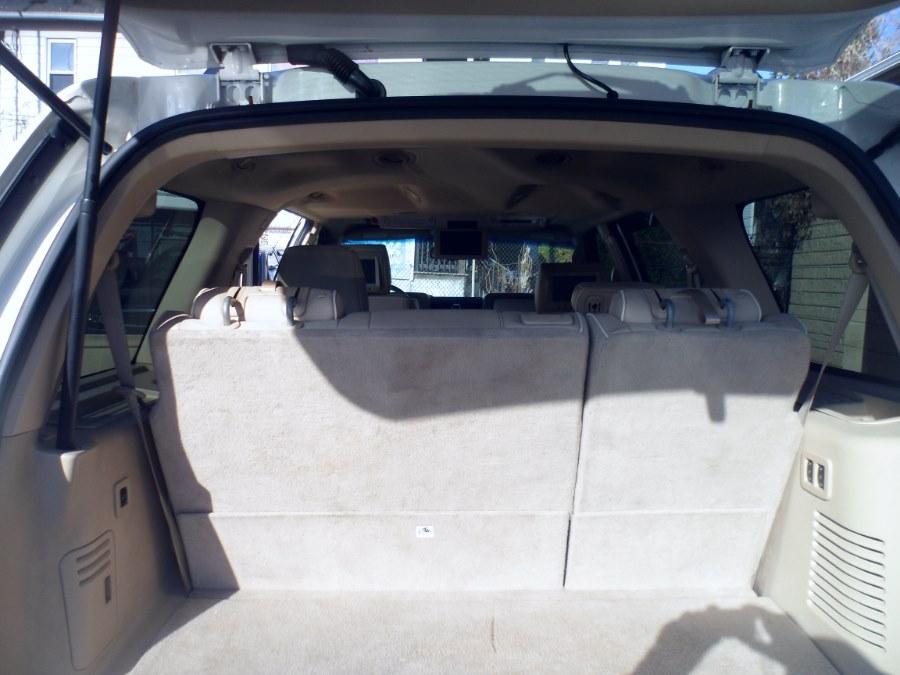2008 Lincoln Navigator 4WD 4dr, available for sale in Bridgeport, Connecticut | Hurd Auto Sales. Bridgeport, Connecticut