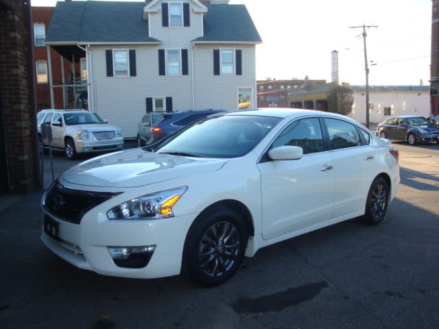 Used 2015 Nissan Altima in Torrington, Connecticut | Ross Motorcars. Torrington, Connecticut