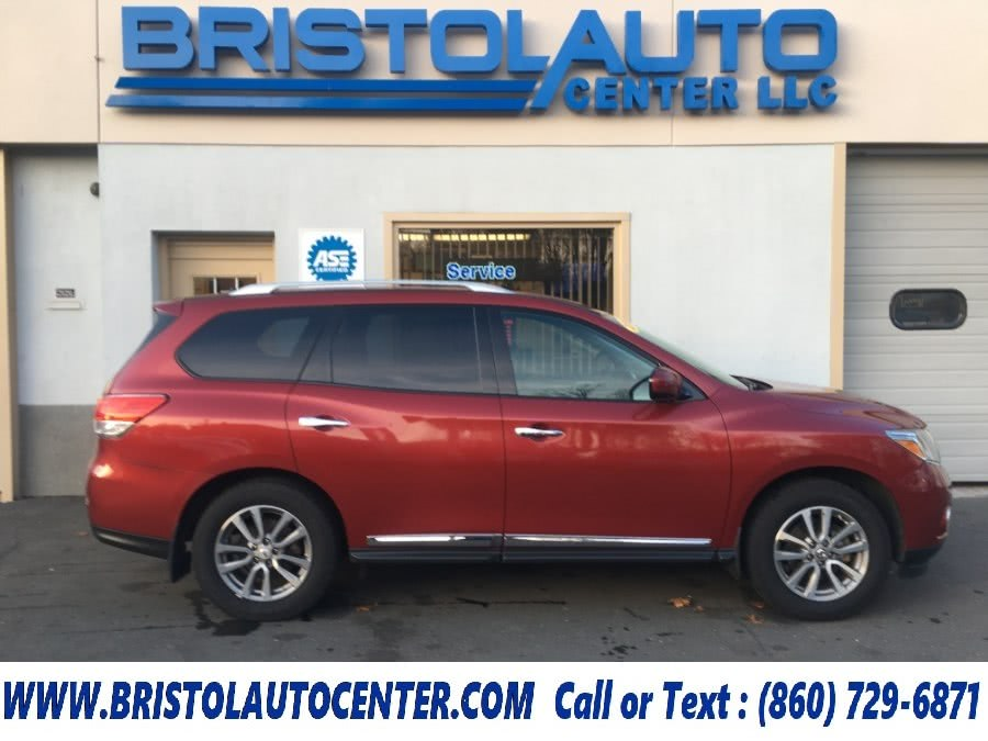 Used 2014 Nissan Pathfinder in Bristol, Connecticut | Bristol Auto Center LLC. Bristol, Connecticut