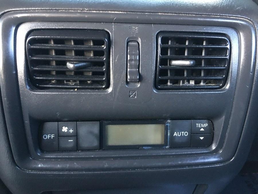Used Nissan Pathfinder 4WD 4dr SV 2014 | Bristol Auto Center LLC. Bristol, Connecticut