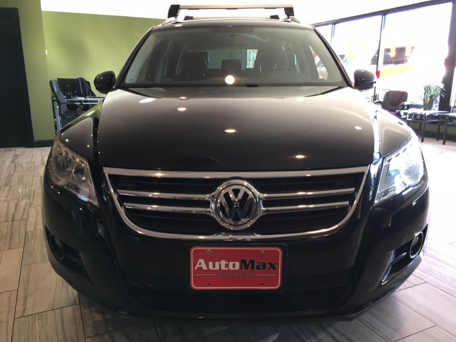 2011 Volkswagen Tiguan 4WD 4dr SE 4Motion wSunroof & Navi, available for sale in West Hartford, Connecticut | AutoMax. West Hartford, Connecticut