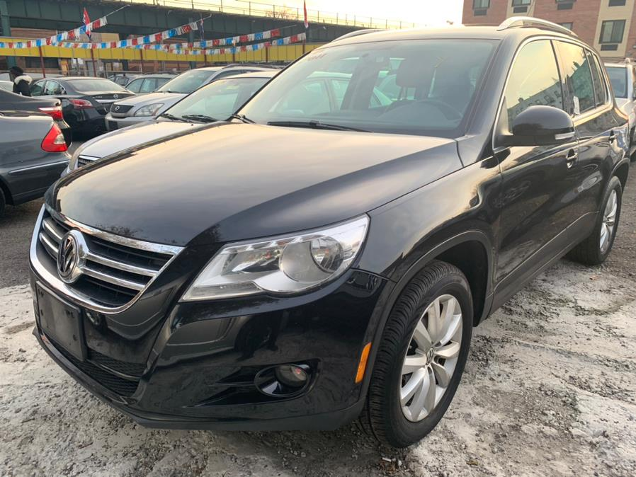 2011 Volkswagen Tiguan 4WD 4dr SE 4Motion wSunroof & Navi, available for sale in Brooklyn, New York | Atlantic Used Car Sales. Brooklyn, New York