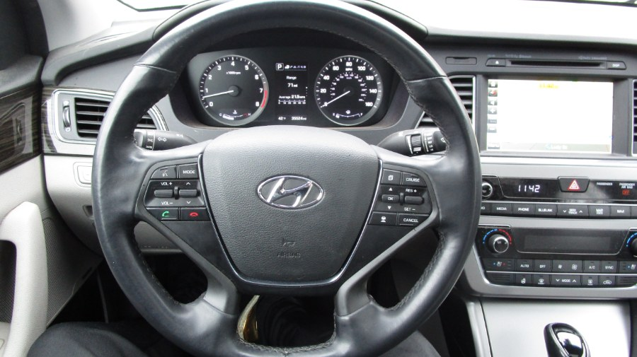 2016 Hyundai Sonata 4dr Sdn 2.4L Limited PZEV, available for sale in Hicksville, New York | H & H Auto Sales. Hicksville, New York