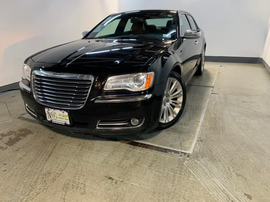 Used 2013 Chrysler 300 in Hillside, New Jersey | M Sport Motor Car. Hillside, New Jersey