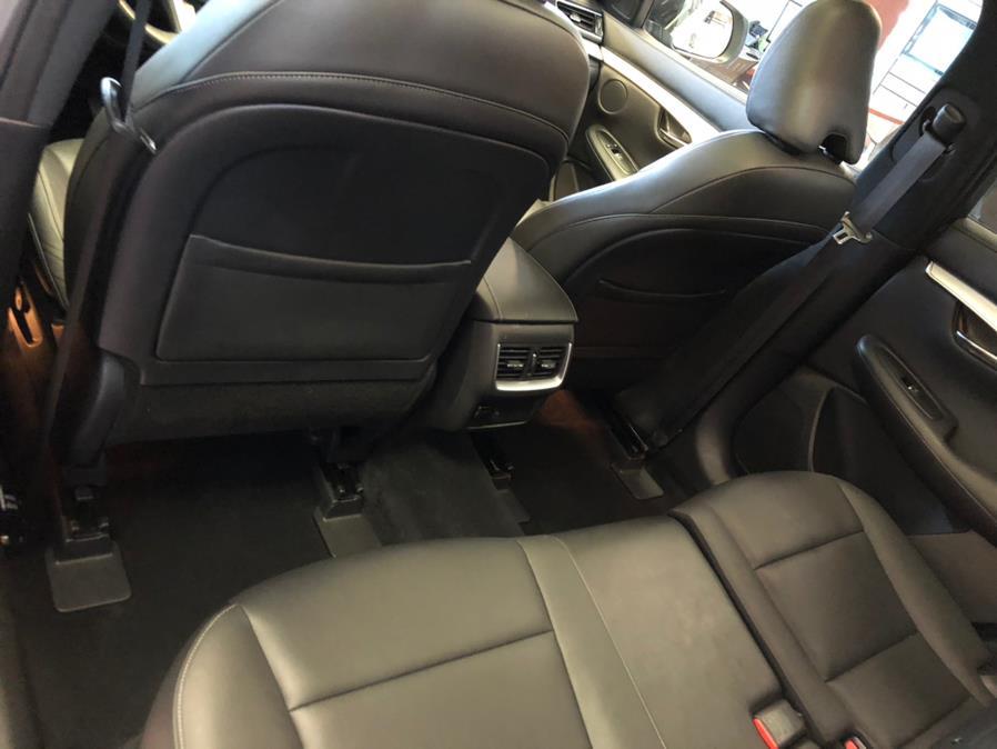 Used INFINITI QX50 LUXE AWD 2019 | Autovanta. Massapequa Park, New York