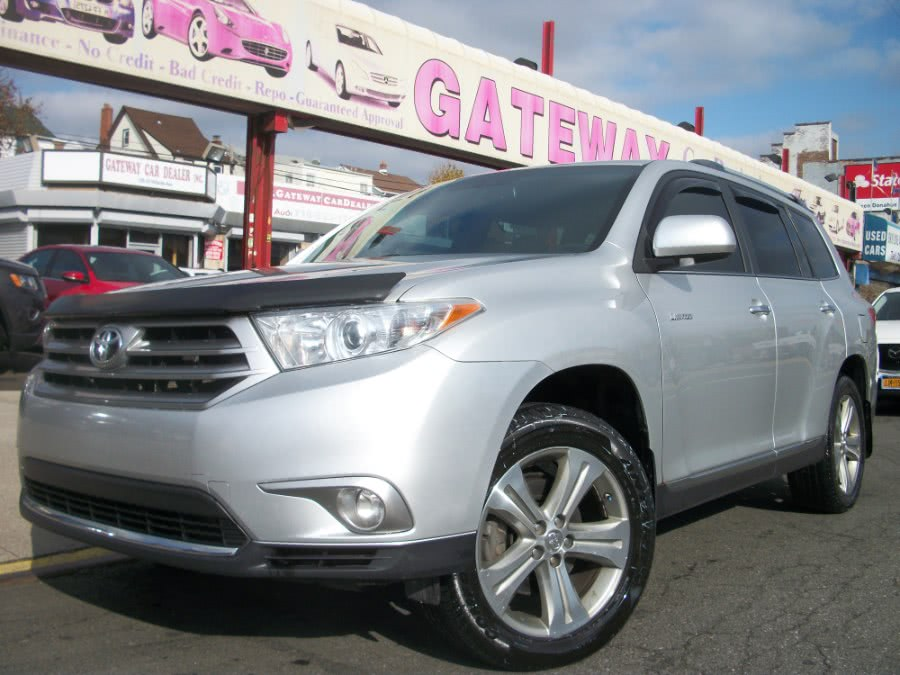 Used 2013 Toyota Highlander in Jamaica, New York | Gateway Car Dealer Inc. Jamaica, New York
