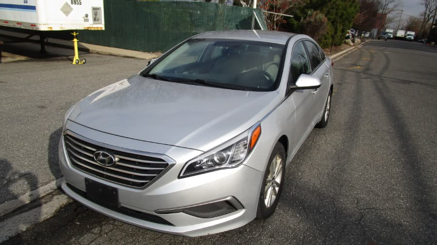 Used 2017 Hyundai Sonata in Hicksville, New York | H & H Auto Sales. Hicksville, New York