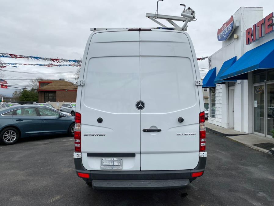 2016 Mercedes-Benz Sprinter Cargo Van RWD 2500 144