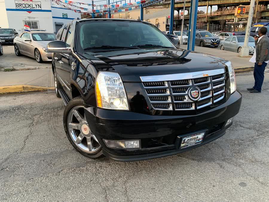 Used 2013 Cadillac Escalade ESV in Brooklyn, New York | Brooklyn Auto Mall LLC. Brooklyn, New York