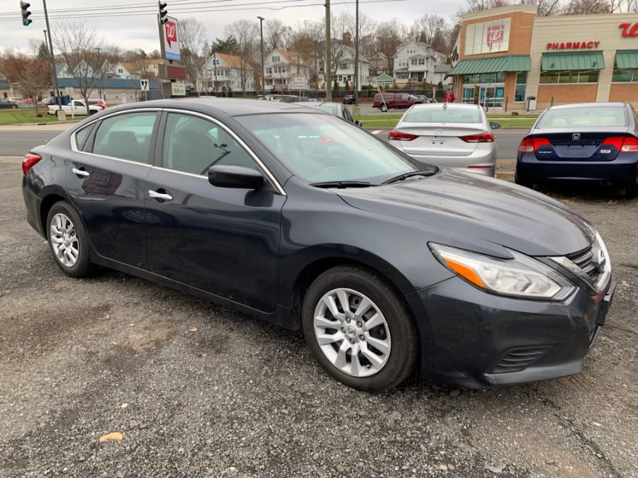 Used 2016 Nissan Altima in Wallingford, Connecticut | Wallingford Auto Center LLC. Wallingford, Connecticut