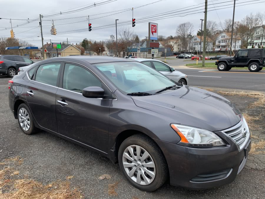 Used 2013 Nissan Sentra in Wallingford, Connecticut | Wallingford Auto Center LLC. Wallingford, Connecticut