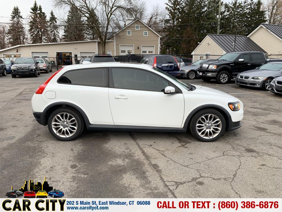 2009 Volvo C30 2dr Cpe Auto w/Sunroof, available for sale in East Windsor, Connecticut | Car City LLC. East Windsor, Connecticut