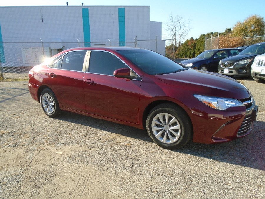 2015 Toyota Camry 4dr Sdn I4 Auto LE (Natl), available for sale in Milford, Connecticut | Dealertown Auto Wholesalers. Milford, Connecticut